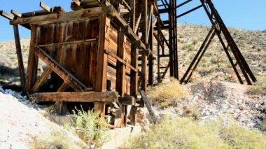 Mine in the Mojave Desert — Stock Video