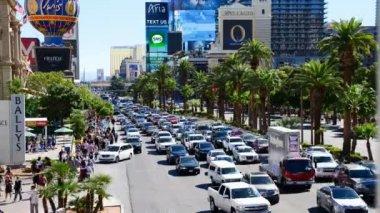 Las Vegas Strip Day commuter traffic — Stock Video
