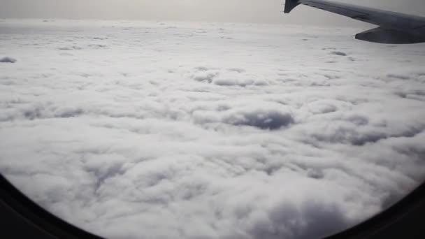 Volar a través del cielo — Vídeo de stock