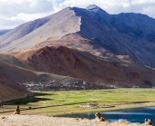 Panorama of the Korzok monastery and village with Himalayan moun — Stock Photo