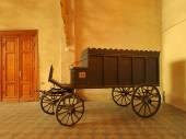 ユダヤ人の葬儀霊柩車. — ストック写真
