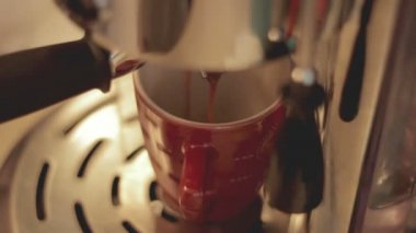 Coffee preparation — Stock Video