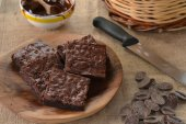 Chocolate brownies dish — Stock Photo