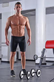 Strong fitness man shows his body — Foto de Stock