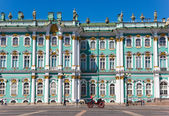 Winter Palace square with horse — Stock Photo