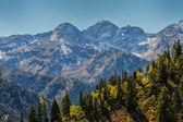 Over the Ridge to the Peaks — Stock Photo