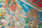 LUHUO, CHINA - SEP 18 2014: Wall painting at Shouling Temple. a famous Lamasery in Luhuo, Sichuan, China. — Stock Photo