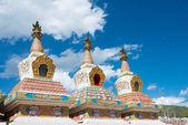 Yushu(Jyekundo), China - 12 de julho de 2014: Templo de Mani (Mani Shicheng). um famoso ponto turístico da cidade tibetana de Yushu, Qinghai, China. — Fotografia Stock