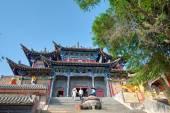 XINING, CHINA - Jul 6 2014: South Mountain Temple(Nanshan si). a famous landmark in the Ancient city of Xining, Qinghai, China. — Stockfoto