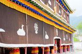 HUZHU, CHINA - Jul 7 2014: Gonlung Champa Ling(Youningsi). a famous Monastery in Huzhu, Qinghai, China. — Stock Photo