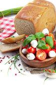 Formaggio mozzarella con pomodorini — Foto Stock