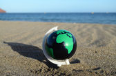 Globe Earth on the Beach — Foto Stock