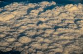 Flying Above the Cloud — Stock Photo