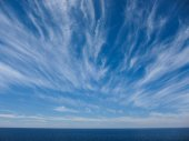 Wndy Clouds On The Evening Sky — Stock Photo