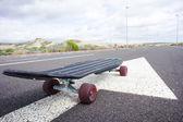 Skateboard longboard noir style vintage — Photo