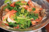 Shrimp with vermicelli - chinese food — Stock Photo