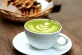 Green tea and milk — Stock Photo