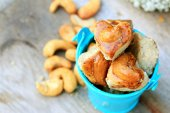 Grains cookies and cashew nut — Stock Photo