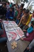 ネパールにおける maggy 見本市会場の間にギャンブル — ストック写真