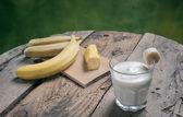 Batido de banana fresca — Fotografia Stock