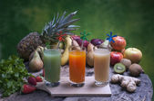 Freshly squeezed fruit juices — Foto Stock
