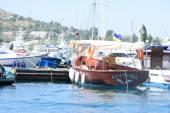 Pleasure boat in Crimea — Stockfoto