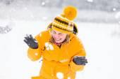 People having fun Winter — Stock Photo