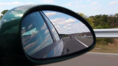 Automotive - Highway view on side mirror of a car — Vidéo