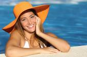 Girl on holidays with a perfect white smile — Stockfoto