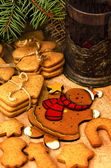 Gingerbread cookies and coffee — Stock Photo