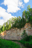 Sandstone outcrops of Taevaskoda against blue sky, Estonia — Stock Photo