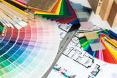 выбор цветов и материалов для ремонта дома — Стоковое фото