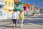 Tourists on Costa Nova, Aveiro, Portugal — Stock Photo