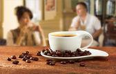 杯咖啡桌上的咖啡 — 图库照片