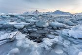 Enchanted Arctic winter landscape  - Spitsbargen, Svalbard — Stockfoto