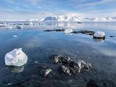 Arctic winter landscape - Spitsbergen, Svalbard — Stock Photo