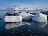 Arctic winter landscape - Spitsbergen, Svalbard — Foto Stock