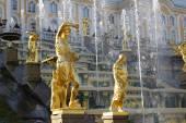 Grand Cascade Fountains At Peterhof Palace, St. Petersburg. — Stock Photo