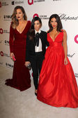Khloe Kardashian, Kourtney Kardashian and Kim Kardashian — Stock Photo