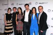 Elizabeth Henstridge, Ian DeCaestecker, Ming-Na Wen, Brett Dalton, Chloe Bennet and Clark Gregg — Stock Photo