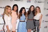 Ashley Benson, Shay Mitchell, Lucy Hale, Troian Bellisario and Sasha Pieterse — Stock Photo