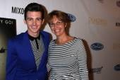 Drake Bell and mother Robin Dodson — Stock Photo