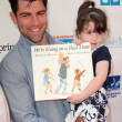 ������, ������: Max Greenfield and Lilly Greenfield