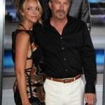 ������, ������: Christine Baumgartner and Kevin Costner