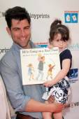 Max Greenfield and Lilly Greenfield — Foto de Stock