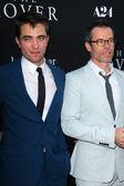 Robert Pattinson and Guy Pearce — Stock Photo