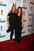 Cheryl Hines and Kathy Griffin — Stock Photo