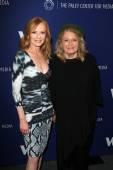 Marg Helgenberger and Angie Dickinson — Stock Photo