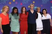 Heather Kadin, Mindy Kaling, Chelsea Peretti, Jane Lynch, Yeardley Smith and Alex Borstein — Stock Photo