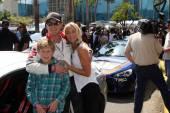 Cole Hauser, son and Cynthia Daniel — Stock Photo
